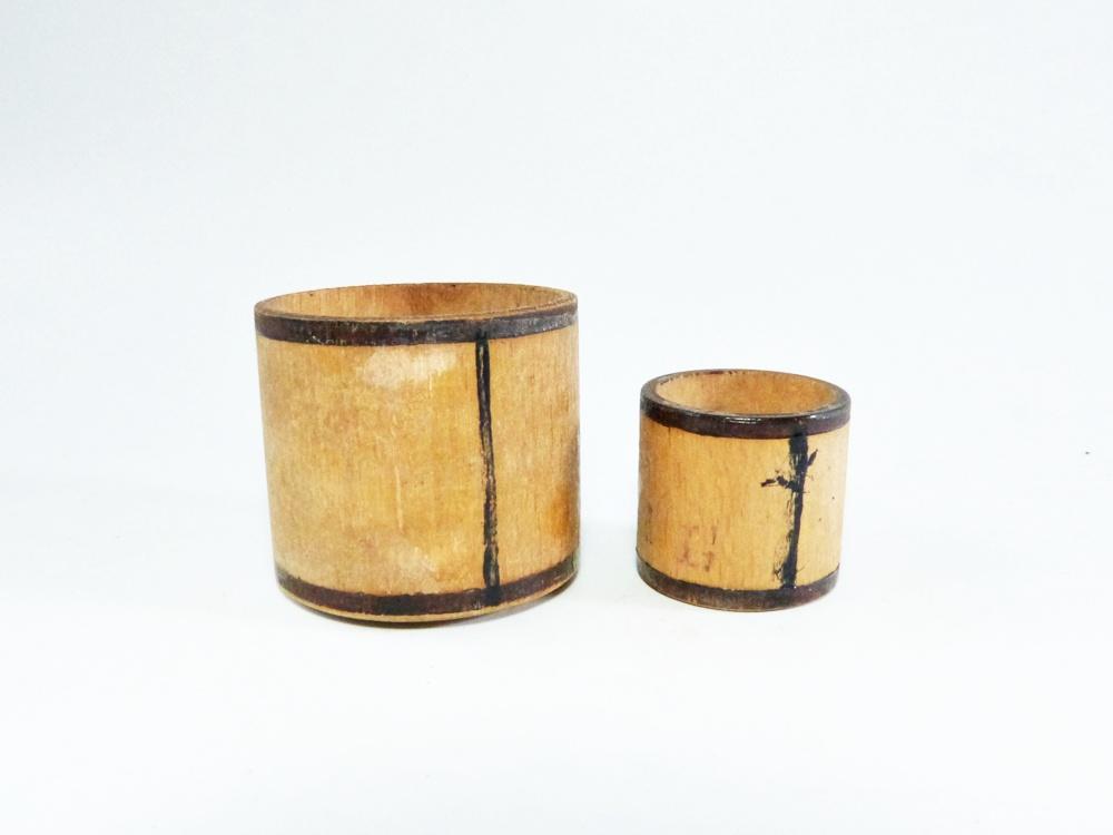 kleine alte miniatur scheffel aus holz f r puppenk che kaufmannsladen um 1910 ebay. Black Bedroom Furniture Sets. Home Design Ideas