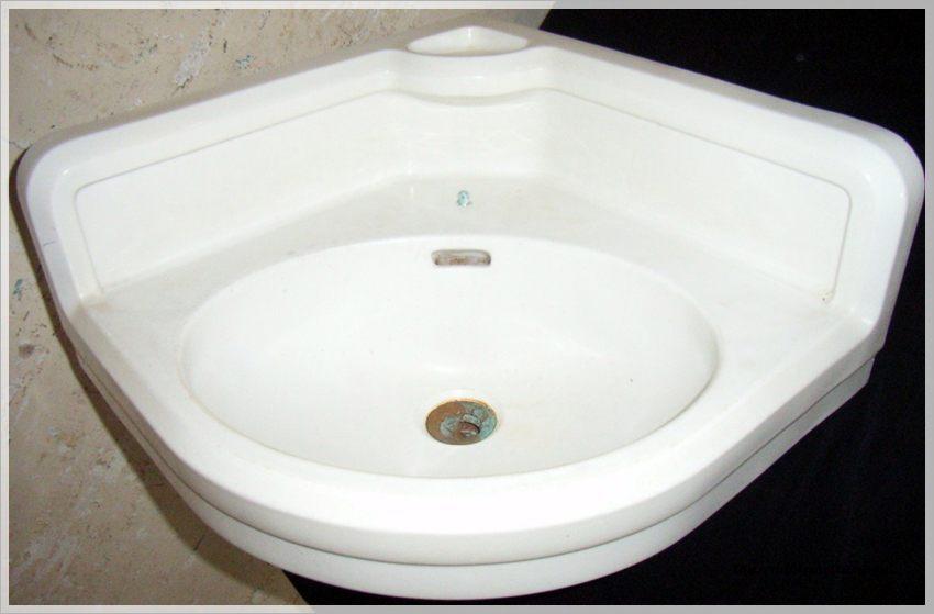bauhaus design eckwaschbecken handwaschbecken keramag. Black Bedroom Furniture Sets. Home Design Ideas