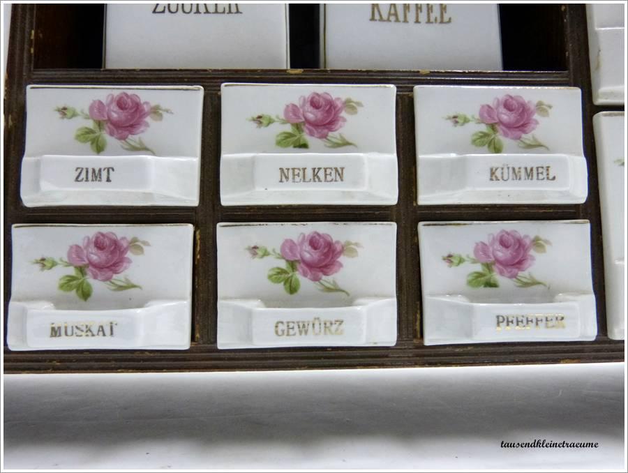 Wunderschönes jugendstil gewürzregal aus porzellan mit rosenmuster ...