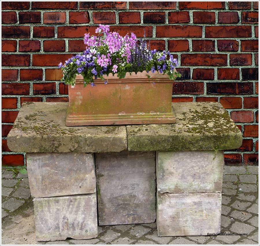 gartenbank stein sitzbank 110213 eine interessante idee f r die gestaltung einer. Black Bedroom Furniture Sets. Home Design Ideas