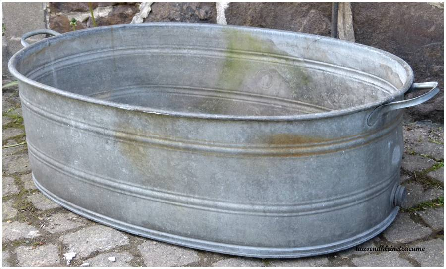 Alte Badewanne bottich badewanne ovale wanne zinkwanne hochbeet garten teich