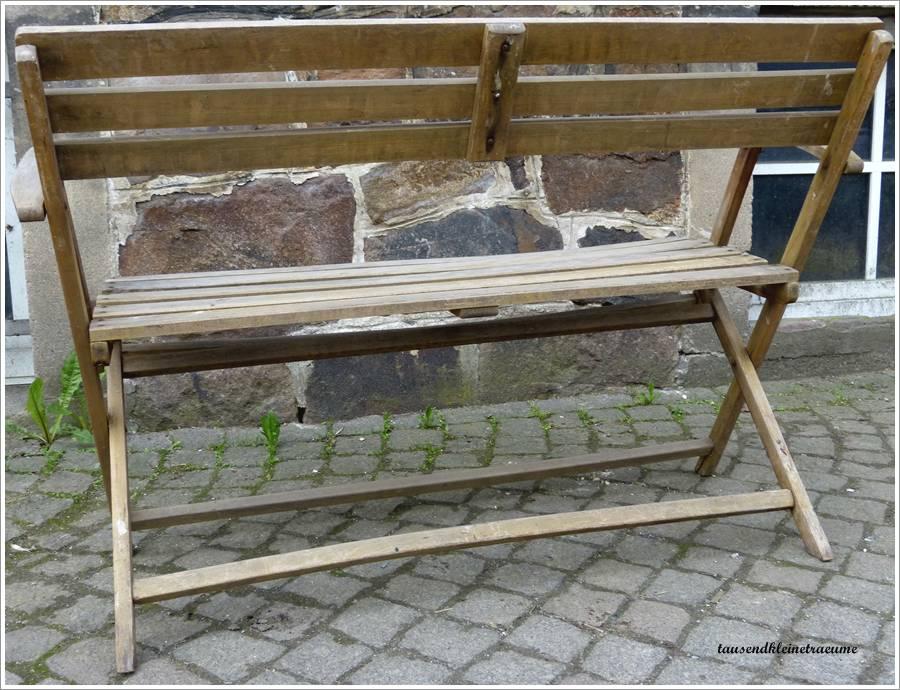kleine alte gartenbank 012942 eine. Black Bedroom Furniture Sets. Home Design Ideas