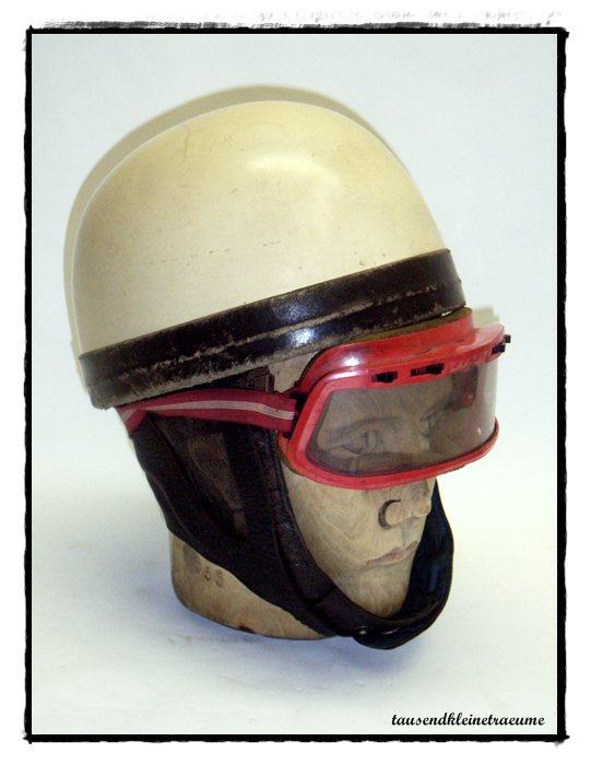 alter ddr motorradhelm mit brille halbschalen helm. Black Bedroom Furniture Sets. Home Design Ideas