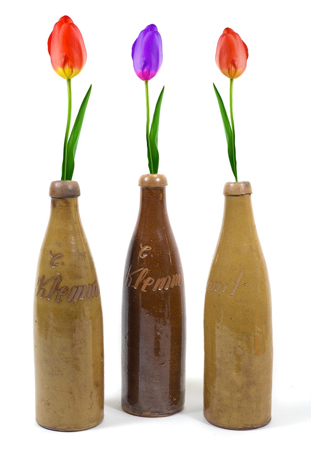 3 alte wasser flaschen aus steingut mit namens gravur originelle blumenvase 1850 ebay. Black Bedroom Furniture Sets. Home Design Ideas