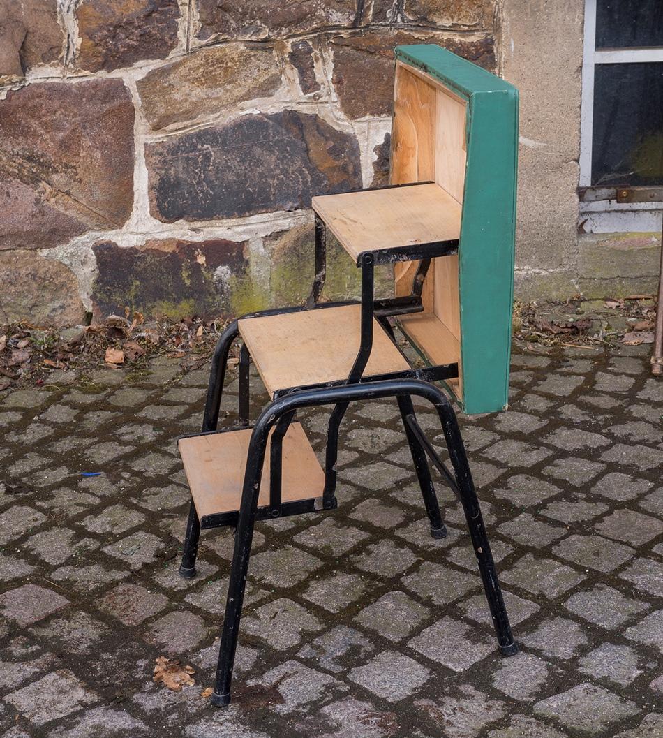 alter gr ner hocker treppe leiter klappleiter tritt m bel 60er 70er jahre ebay. Black Bedroom Furniture Sets. Home Design Ideas