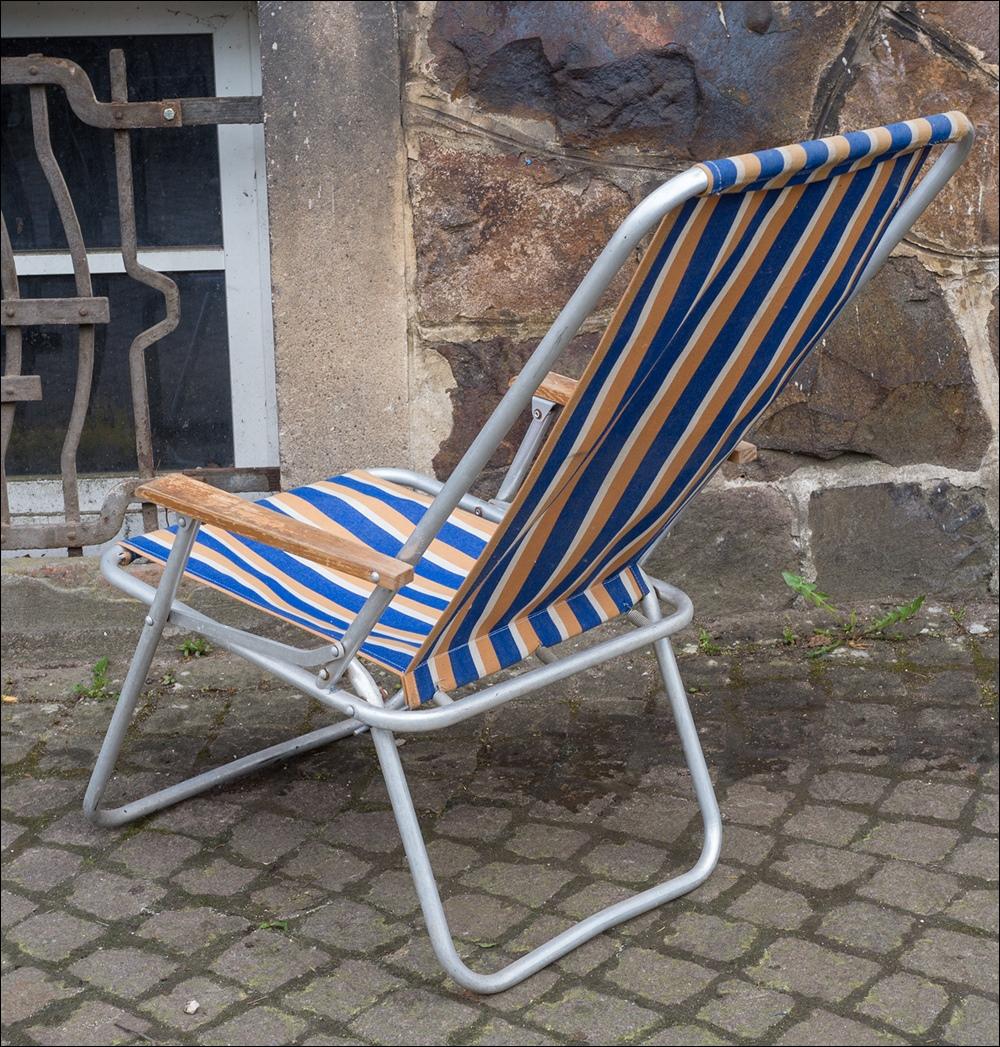 Sch ner alter ddr alu campingstuhl liegestuhl vintage for Garten 70er jahre