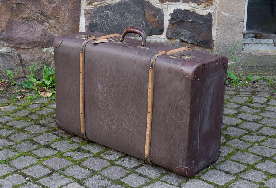 alter gro er koffer m holzleisten vintage reisekoffer ca. Black Bedroom Furniture Sets. Home Design Ideas