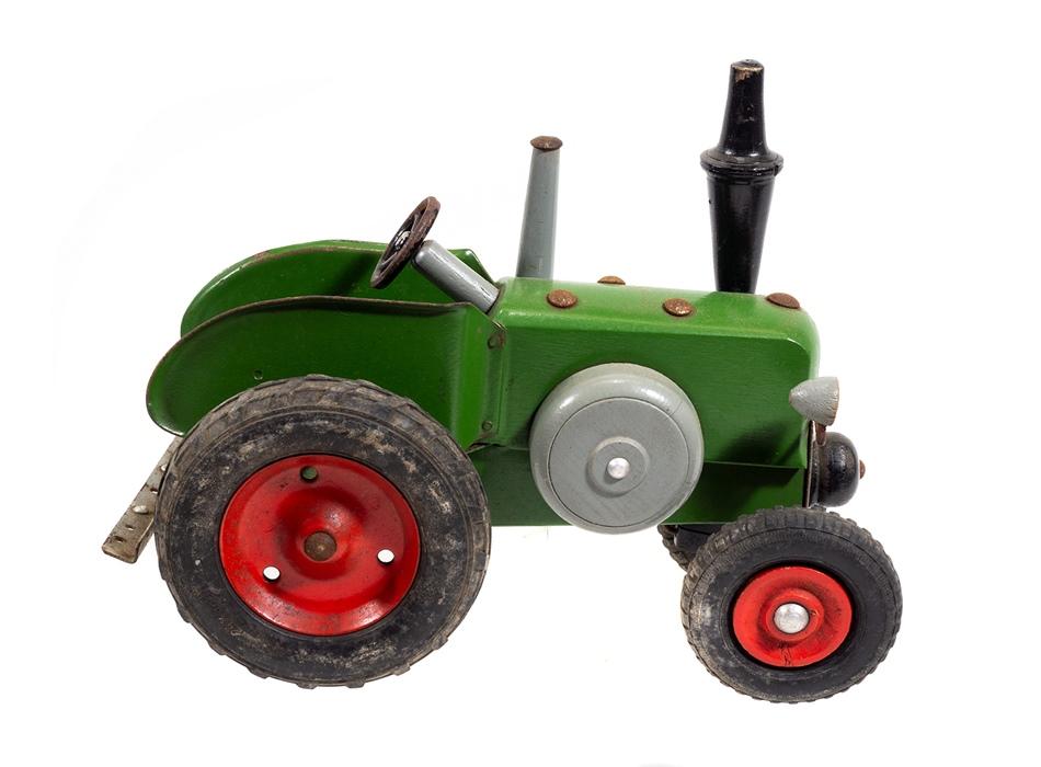 berger lanz bulldog aus holz traktor mit h nger. Black Bedroom Furniture Sets. Home Design Ideas